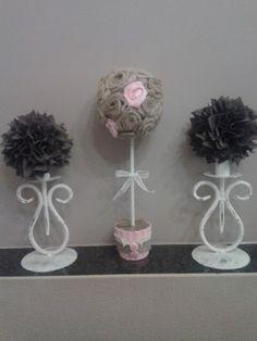Bomboniere S. Cresima realizzate con vasetti coordinati alle rose di tulle. Qui la rosa.