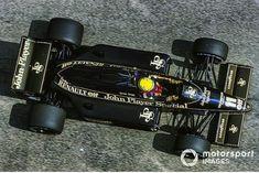 Pin/'s Ayrton Senna Lotus 98T Fond Blanc  Or