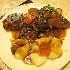 Foto recept: Lamsboutjes in rodewijnsaus
