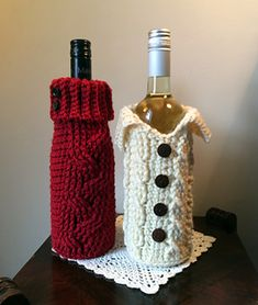 Wine cozy or gift bag crochet pattern. Sooo cute!