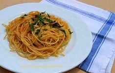 Μακαρονάδα με τρίμμα αυγοτάραχου ή ταραμά - cretangastronomy.gr Spaghetti, Ethnic Recipes, Food, Essen, Meals, Yemek, Noodle, Eten