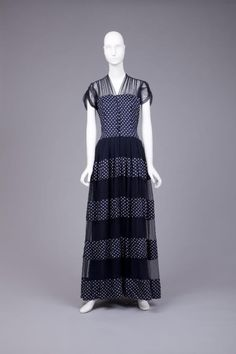 Dress    Hattie Carnegie, 1940s    The Goldstein Museum of Design