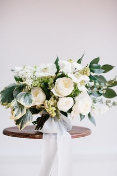 Full spring bouquet: http://www.stylemepretty.com/little-black-book-blog/2015/04/14/elegant-spring-garden-wedding-inspiration/ | Photography: Sarah Bradshaw - http://sarahbradshawphotography.com/