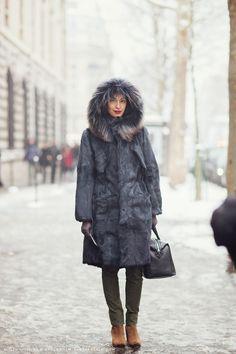 Caroline Issa in HOCKLEY LONDON hooded fur parka #street#style#fashion#parka#snow#hood#fur#trim#winter#look#to#keep#you#warm