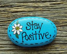 Rock Painting Patterns, Rock Painting Ideas Easy, Rock Painting Designs, Painted Rocks Craft, Hand Painted Rocks, Painted Stones, Inspirational Rocks, Happy Rock, Hippie Painting