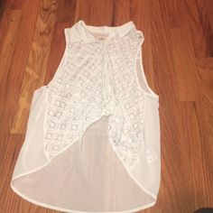 Hollister lace tank Super cute lace tank! From hollister, to wear you must need a under tank! You can dress it up or down will look cute with everything! Hollister Tops Tank Tops