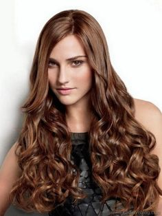 To create a beautiful, tousled look, stylists traditionally set the hair using a styling wand. The Surf Wave wrap uses flexi rods to recreate long-lasting, beachy texture on the hair. Caramel Brown Hair Color, Brown Hair Colors, Permanent Waves Hair, Permed Hairstyles, Cool Hairstyles, Damp Hair Styles, Curly Hair Styles, Large Curls, Beachy Hair
