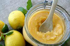 Limon kreması, İngiliz mutfağına ait bir tarif. Daha çok bir tatlı eşlikçisi olan limon kreması veya limon loru, pankek gibi hamur işlerinde tüketiliyor.