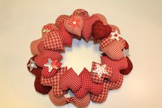I'm going to try this using card stock and pop dots Kids Crafts, Valentine Crafts For Kids, Valentines Gifts For Boyfriend, Dyi Crafts, Wreath Crafts, Hobbies And Crafts, Valentine Gifts, Christmas Crafts Sewing, Country Christmas Decorations