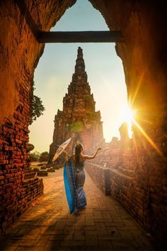 Outdoor fotografie in Thailand Ways To Travel, Places To Travel, Travel Destinations, Travel Vlog, Disney Travel, Beautiful Places To Visit, Cool Places To Visit, Amazing Places, Phuket