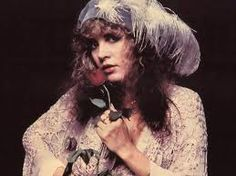 About Stevie Nicks: Stephanie Lynn Stevie Nicks is an American singer and songwriter, best known for her work with Fleetwood Mac and an extensive solo . Stevie Nicks Songs, Stevie Nicks Fleetwood Mac, Lucy Lawless, Patti Smith, Jane Birkin, Dolly Parton, Brigitte Bardot, Françoise Hardy, Stephanie Lynn