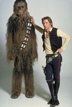 Still of Harrison Ford and Peter Mayhew in Guerra nas Estrelas (1977)