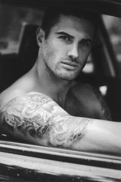 wow <3 Absolutely gorgeous Sexy Guy with Tattoos