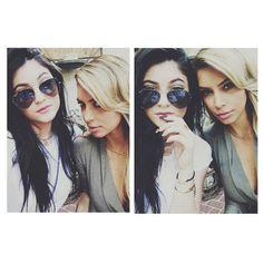 Kylie Jenner & Kim Kardashian