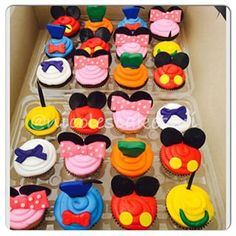 Mickey Mouse Clubhouse cupcakes to match cake posted yesterday. Mickey Mouse First Birthday, Mickey Mouse Clubhouse Birthday Party, Mickey Mouse Parties, Mickey Party, Mickey Mouse And Friends, First Birthday Parties, First Birthdays, Disney Parties, 2nd Birthday