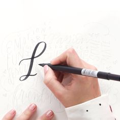 Master your lettering skills with this lettering layout class. Calligraphy Lessons, How To Write Calligraphy, Calligraphy Fonts, Calligraphy Tutorial, Handwritten Fonts, Lettering Tutorial, Fancy Writing, Pretty Writing, Cool Writing