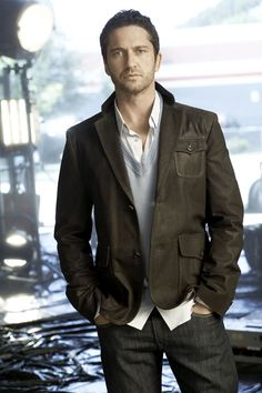 Gerard Butler... ooh #Gerard #Butler #Gerry Saw a preview for his next movie, can't wait!