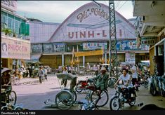 Vinh-Loi Theater - Shopping district in eastern My Tho (Dinh Tuong Province, Vietnam) in the year Saigon Vietnam, South Vietnam, Vietnam War, Vietnam History, My Tho, Vintage Architecture, Good Old Times, Old Images, Color Of Life