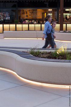 Exterior lineal light under stone bench Landscape Lighting Design, Landscape Elements, Landscape Architecture Design, Urban Landscape, Urban Furniture, Street Furniture, Public Space Design, External Lighting, Terrace Design