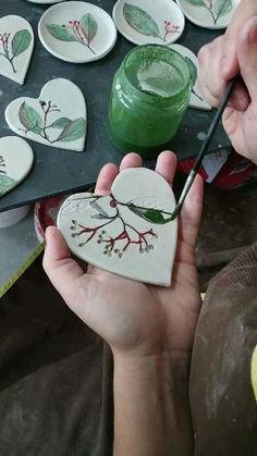 Ceramic Decor, Ceramic Pottery, Ceramic Art, Polymer Clay Crafts, Diy Clay, Ceramic Christmas Decorations, Pottery Handbuilding, Ceramics Projects, Clay Ornaments