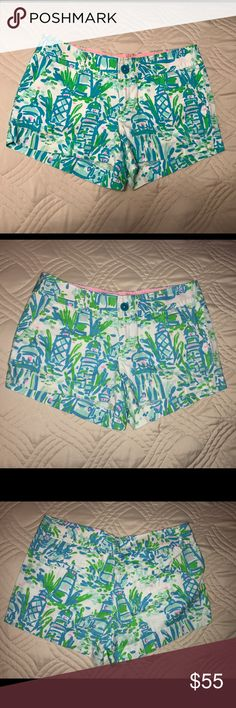 """FinalSale✨Lilly Pulitzer """"High Beams"""" Walsh Shorts Excellent used condition! Colorful and cute print! Size 2. Ask me for a bundle deal if you like anything else you see! Thanks. Lilly Pulitzer Shorts"""