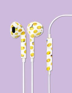 The Baroque Printed earbud headphones is made for those who are inspired by the classical renaissance age. This print merges the renaissance age with the tech phenomenon. With these playful earbuds we