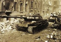 IS-2m heavy tanks in Berlin