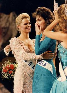 Moment when Barbara Palacios Teyde is named the winner of the Miss Universe 1986 crown.