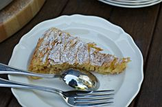 If you are not Greek and you have no idea what Bougatsa is, you can read a description here. For this post, I write 'Bougatsa' with inverted commas because this is not ACTUALLY 'Bougatsa' but my fa. Greek Desserts, Desserts To Make, Greek Recipes, Potluck Recipes, Cake Recipes, Dessert Recipes, Cooking Recipes, Bougatsa Recipe, Creamed Honey