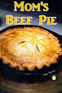 Mom's Beef and Potato Pie. A wonderful family recipe, simple ingredients and oh so delicious. Uses hash browns too! Classic Shepherd's Pie RecipeSweet Potato Cottage Pie RecipePaleo Sweet Potato Pie Recipe Chefs, Meat Recipes, Cooking Recipes, Hamburger Pie Recipes, Best Beef Pot Pie Recipe, Pot Pie Recipes, Easy Meat Pie Recipe, Steak Pie Recipe, Layer Cakes