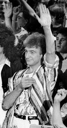 Queen Images, Queen Pictures, Friends Gif, We Will Rock You, Queen Freddie Mercury, John Deacon, Aesthetic Images, David Bowie, Handsome