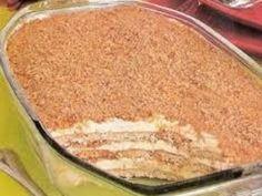 O Pavê Doce de Abacaxi é delicioso e vai deixar todos os seus convidados de boca de aberta. Experimente! Veja Também:Pavê de Doce de Leite com Ameixa Veja