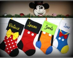 Articoli simili a SET OF Christmas Stockings - Disney Character Inspired Personalized Embroidered Mickey Minnie Goofy Donald Daisy Tinkerbell Pluto su Etsy Disney Diy, Disney Crafts, Disney Ideas, Christmas Projects, Holiday Fun, Christmas Holidays, Christmas Decorations, Holiday Decor, Natal Do Mickey Mouse