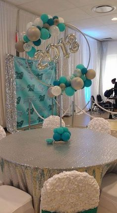 Use hula p as bas for giant flower? Balloon Centerpieces, Balloon Decorations, Birthday Decorations, Baby Shower Decorations, Wedding Decorations, Masquerade Centerpieces, Balloon Ideas, Wedding Centerpieces, Balloon Columns