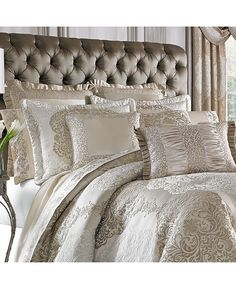 Twin Bed Sets With Comforter Key: 5685012083 Glam Bedding, Bedroom Comforter Sets, Aqua Bedding, Best Bedding Sets, Luxury Bedding Sets, Modern Bedding, King Comforter, Sequin Bedding, Luxury Bedding Collections