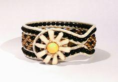 Lederarmband mit tschechischen Perlen Vintage Bracelet Hippie Manschette von BerlinBijou auf Etsy