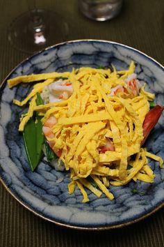 Spring Chirashizushi 春のちらし寿司 on Sun. Dinner, Spring, Ethnic Recipes, Green, Food, Dining, Food Dinners, Eten, Meals