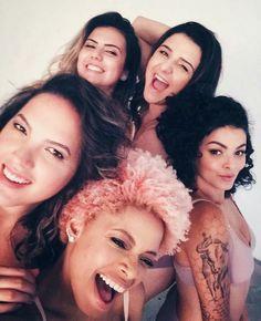 Trabalhar com mulheres que a gente admira nem devia ser chamado de trabalho é um encontro de DYVAS  nova campanha da @marcyn_online com mulheres de corpos normais vai estar SENSACIONAL!