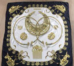 0a73ebc4942 Online veilinghuis Catawiki: Hermès - Zijden shawl - Les Cavaliers d'Or -  Vintage