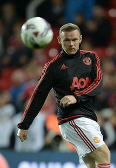 Wayne Rooney warms up Wayne Rooney, Football Icon, Football Soccer, Anthony Martial, Best Player, Football Players, Manchester United, Motorcycle Jacket, The Unit