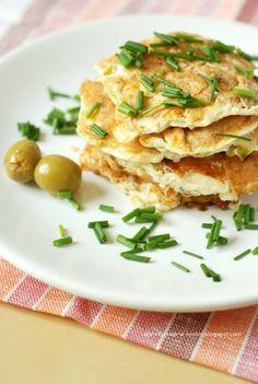 Moje Dietetyczne Fanaberie: Placuszki bez mąki z oliwkami i porem