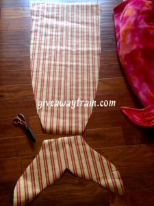 How to Make a Mermaid Tail {Snuggle Sack/Sleeping Bag}
