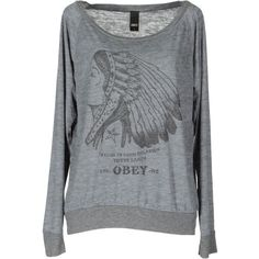 OBEY T-shirt (245 BRL) ❤ liked on Polyvore featuring tops, shirts, sweaters, sweatshirts, grey, long sleeve shirts, boat neck shirt, logo shirts, gray shirt and gray long sleeve shirt