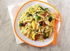 Mozzarella pasta with chicken, Alfredo-style - Recipes | Dairy Goodness - Nourish your day