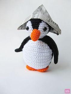 Little Things Blogged: {Amigurumi Oscar the Penguin}