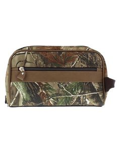 gifts for hunters under 20 dollars - RealTree APG Camo Shaving Kit - Stocking Stuffer -  #stockingstuffer #giftideas #christmasgiftideas Christmas gift idea under $20