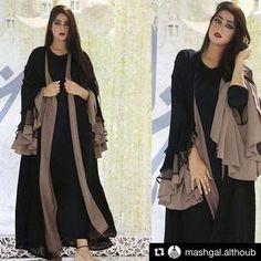 with ・・・ عبايه انيقه Niqab Fashion, Muslim Fashion, Modest Fashion, Fashion Dresses, Fashion Muslimah, Abaya Designs Dubai, Burqa Designs, Abaya Mode, Modern Abaya