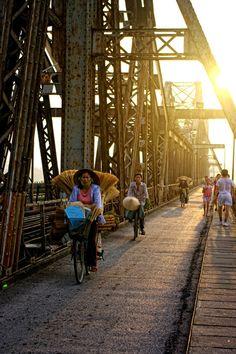 #vietnam  ponte di Long Bien ad #hanoi http://viaggi.asiatica.com/