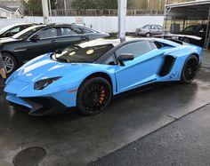 Blue Lamborghini Aventador SV [4032x3024]