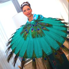 Peacock parasol..... OMG... I WANT THIS!!!!